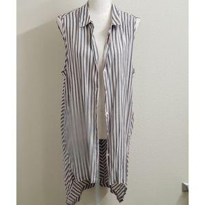 NWT - MAX STUDIO - Gray/Red/White Sleeveless Shirt